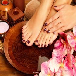 Organic Manicure/ Pedicure