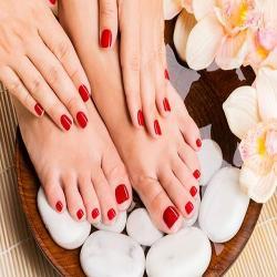 Detox Manicure/ Pedicure